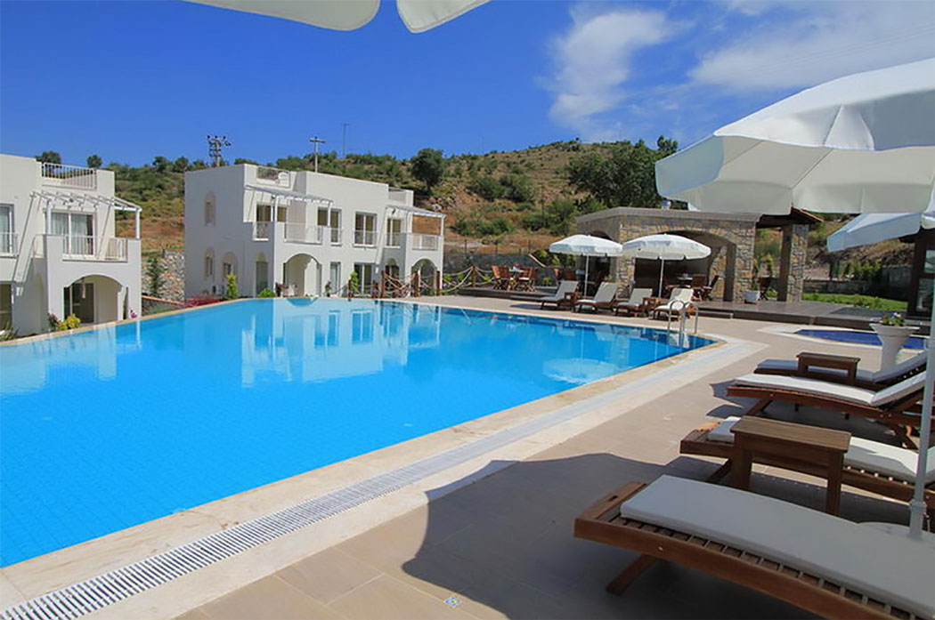 Pool Side | Lakeshore Golf Apartments Bodrum