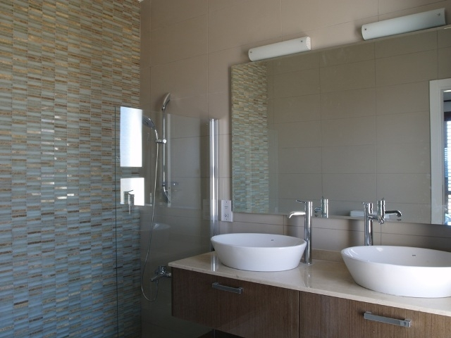 Bathroom | Horse Shoe Bay Villas